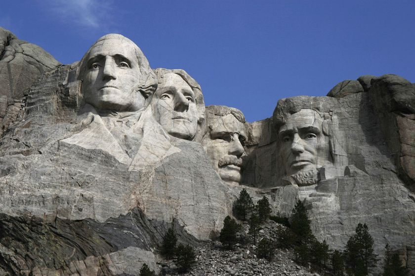 1200px-Dean_Franklin_-_06.04.03_Mount_Rushmore_Monument_(by-sa)-3_new